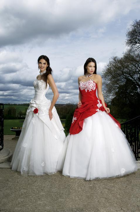 Krááásne červeno-biele šaty - Obrázok č. 91