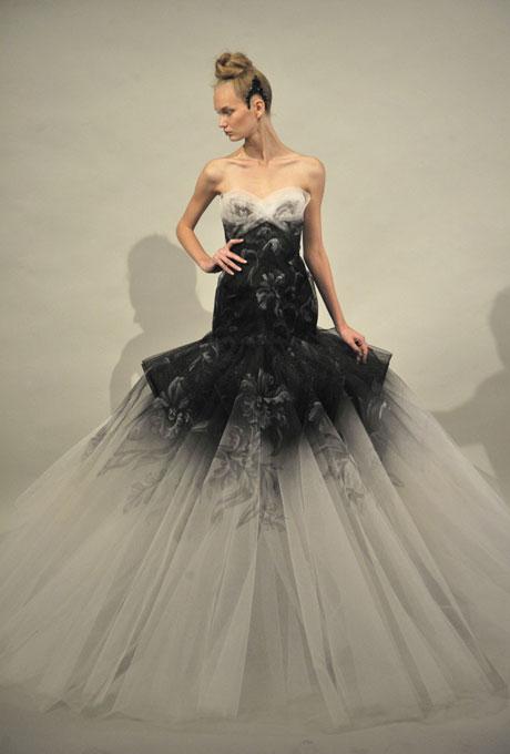 Krááásne čierno-biele šaty - Obrázok č. 181