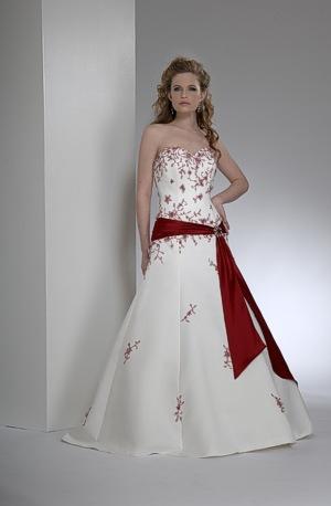 Krááásne červeno-biele šaty - Obrázok č. 8
