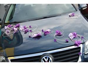 vytvořím si sama, jako doplněk na auto, uprostřed bude ještě šeříková kytice