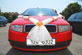 Výzdoba nevěstina auta (Anyes)