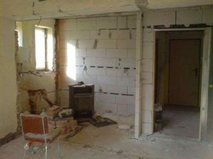 kuchyň, zdá se malá, ale proti předchozí 2x2m to bude  big kuchyň:-))