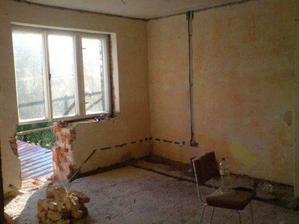 kousek obýváku, připraveno na balkon+dveře