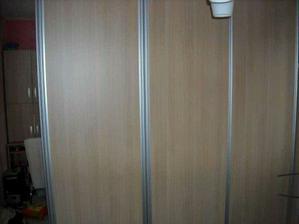 skříně ložnice-nábytek Penta, šikovní kluci, rychle, relativně  levně:-)