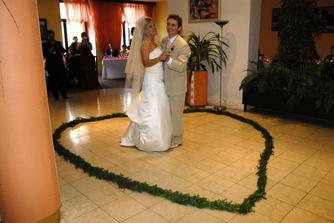 mladomanželský tanec-ENYA Only Time,mala byť Caribbean Blue,ale nevyšlo