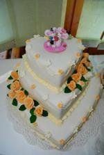 svadobná torta (mňaaaaaaaaaaam!!)