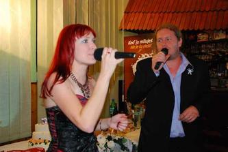 """Danielka s Michalom nám zaspievali svoju pieseň """"Chcem sa ťa dotýkať"""" (Coolfish - Predstavy)"""