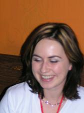no ako jej to svedci ked sa usmieva ako stastne vydata:)