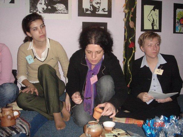 Stretko snažiliek a nesnažiliek, v BA 10.4.2006 - luc, dadulienka, zuz