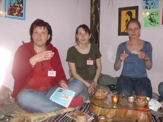 Stretko snažiliek a nesnažiliek, v BA 10.4.2006 - katrin, rebeka, ikke