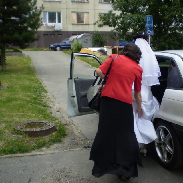 Zuzka Luščiková{{_AND_}}Ján Ladziansky - mamina mi pomáha