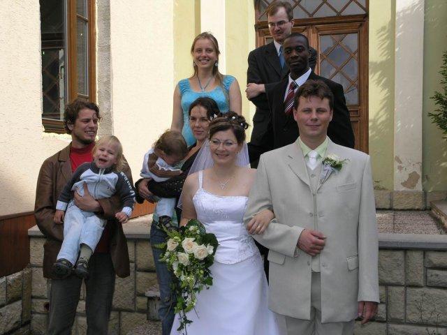 Lenka Bednářová{{_AND_}}Lukáš Vlach - sestřenice a bratranec a nahoře brácha
