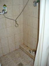 první návštěva před koupí - jedna ze dvou koupelen - tohle byla ta novější