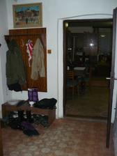původní stav - zádveří - dveře jsme zazdily a posunuly kousek dál