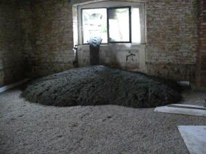 přivezli nám beton... :)