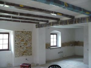 hotové stropy - může se pokládat dlažba - hurá!!