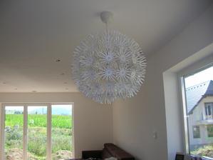 lampa nad stolom