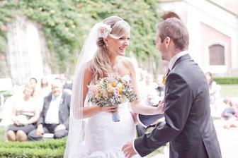 po prvním manželském přišel pokyn ještě ke druhému manželskému polibku :-D