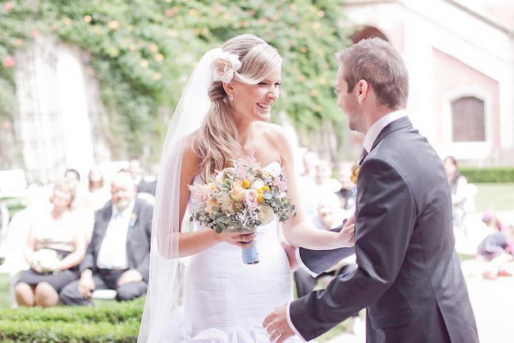 Renata{{_AND_}}Martin - po prvním manželském přišel pokyn ještě ke druhému manželskému polibku :-D