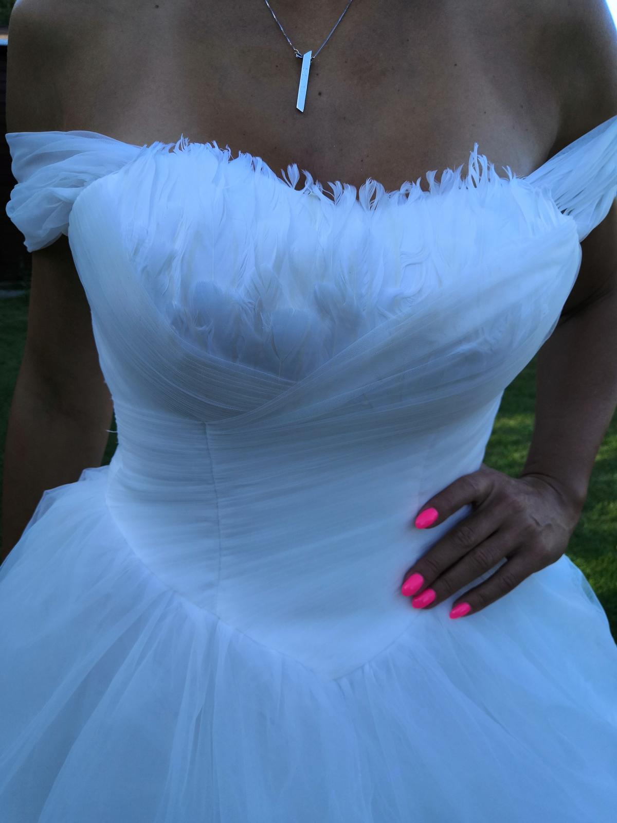 Nové svatební šaty č. 13 - Obrázek č. 1