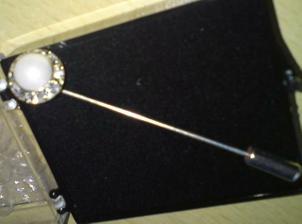 pearl cravat pin