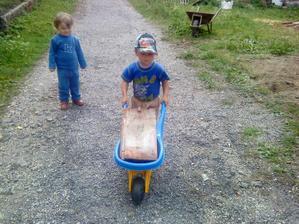 Takto Tadi vozil tehlu vo furiku