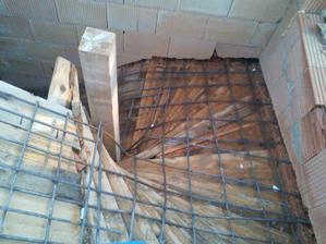 Šalung a armovanie schodišta na poschodie