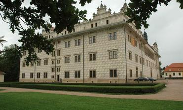 zámek Litomyšl - zde jsme prožili náš úžasný den D, ale jak to vše začalo ?