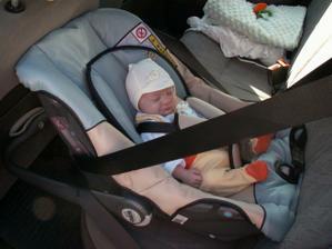 Jízda autem se nám moc líbí, je to pohodička