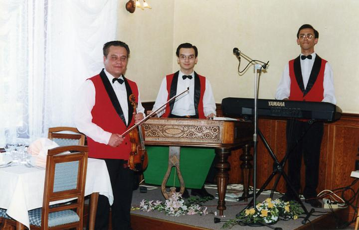 Reštaurácia * Penzión Tornyos - Pravá cimbalová muzika
