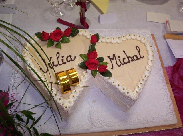 Júlia {{_AND_}}Michal - torta (nie svadobná, to je tá poschodová biela)