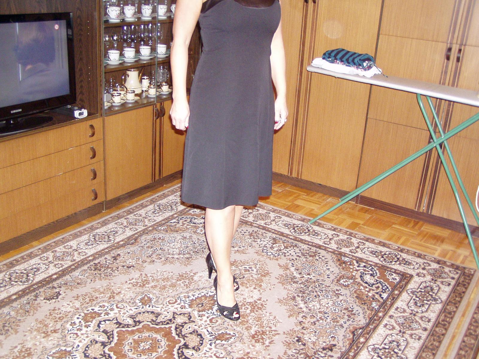 čierne spoločenské šaty Chantal veľ. 40 - Obrázok č. 2