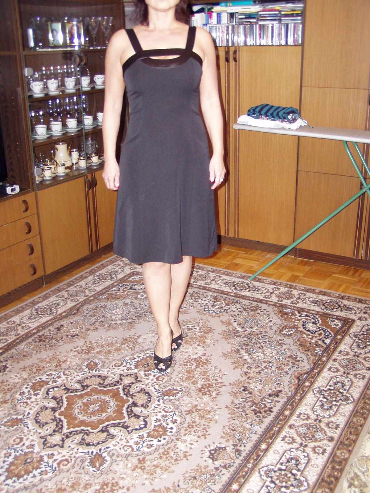 čierne spoločenské šaty Chantal veľ. 40 - Obrázok č. 3
