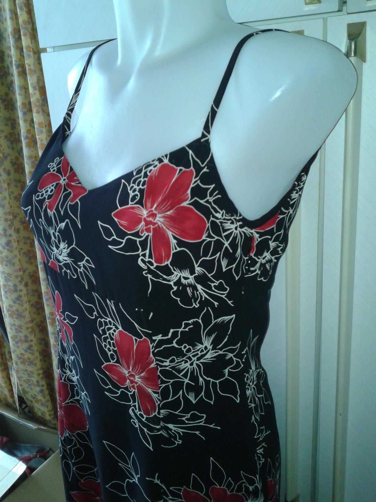 romantické kvetované šaty Esprit veľ. 36/38 - Obrázok č. 1