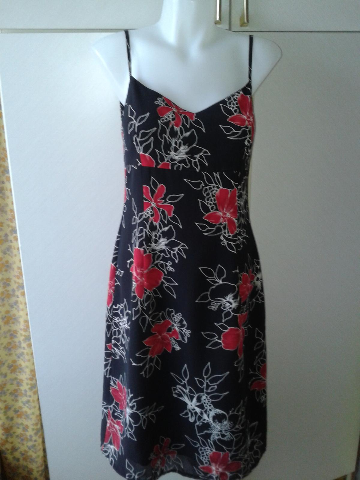 romantické kvetované šaty Esprit veľ. 36/38 - Obrázok č. 3