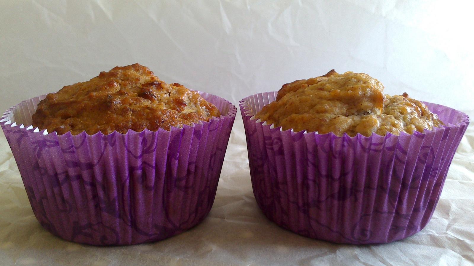 A občas i vařím... - Bezlepkové (jen pohanková mouka), jablečno - cuketové muffiny :)