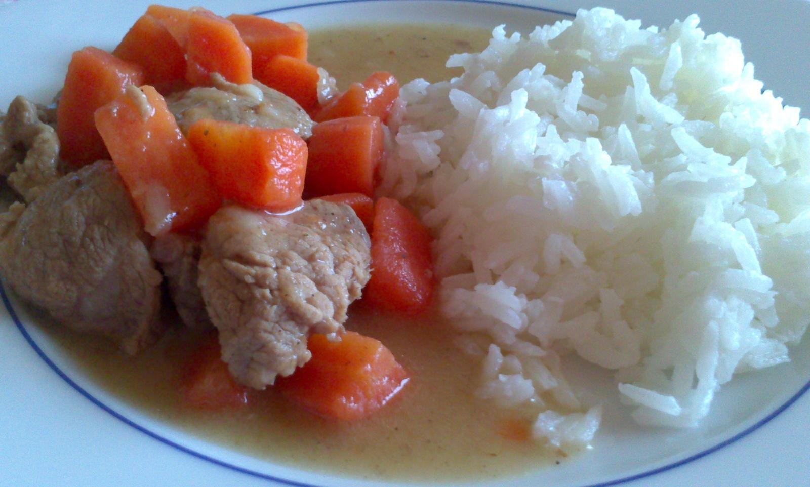 A občas i vařím... - Vepřová plec s mrkví podle Vaňka - jednoduché jídlo, celkem rychlá příprava, báječná chuť :)