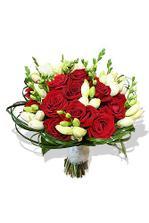 úžasná kombinace.. červené růže a bílé frézie