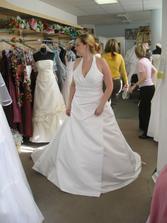 šesté šaty - taky docela hezké, ale ne zrovna pohodlné...