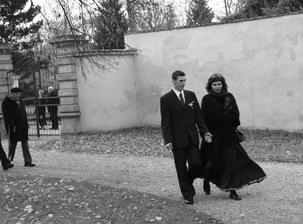 Focení jsme nechali na svatebčanech a fotografech... a byla to legrace větší, než na to být sami.