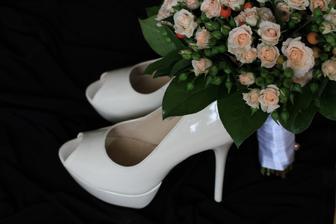 Tak tuhle nakonec... Láska, již cítím ke svým botám, je navzdory útrapám v nich nezměrná...