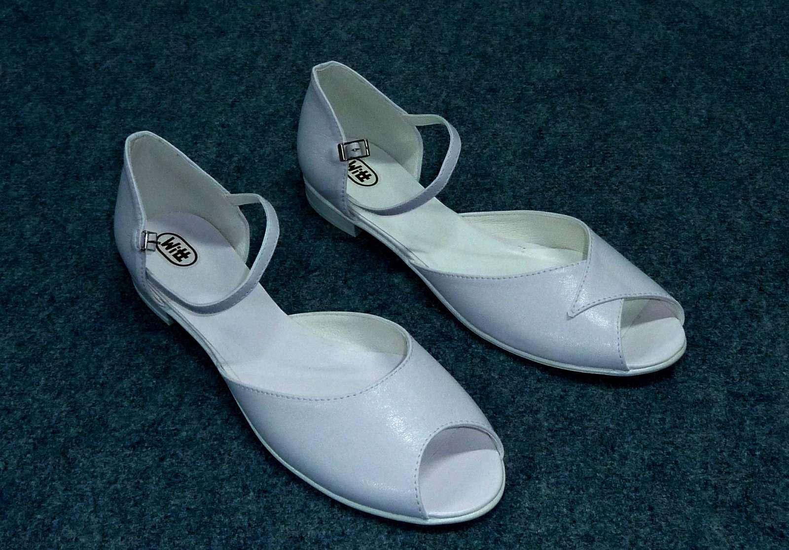 Svatební obuv bez podpatků - Obrázek č. 1