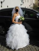 Asymetrické šaty s volánky, 36