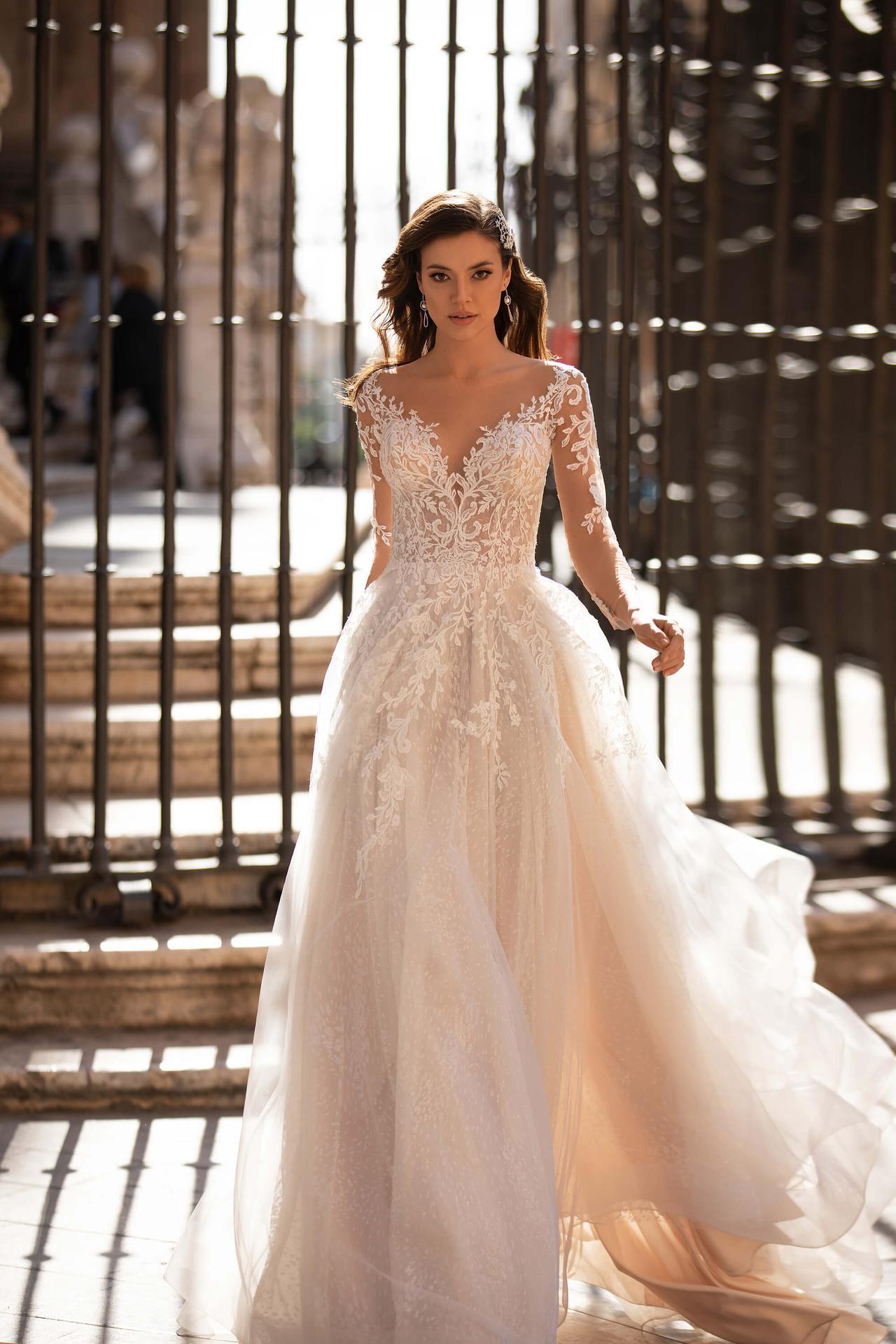 Svatební šaty k prodeji, nebo k zapůjčení - Obrázek č. 1