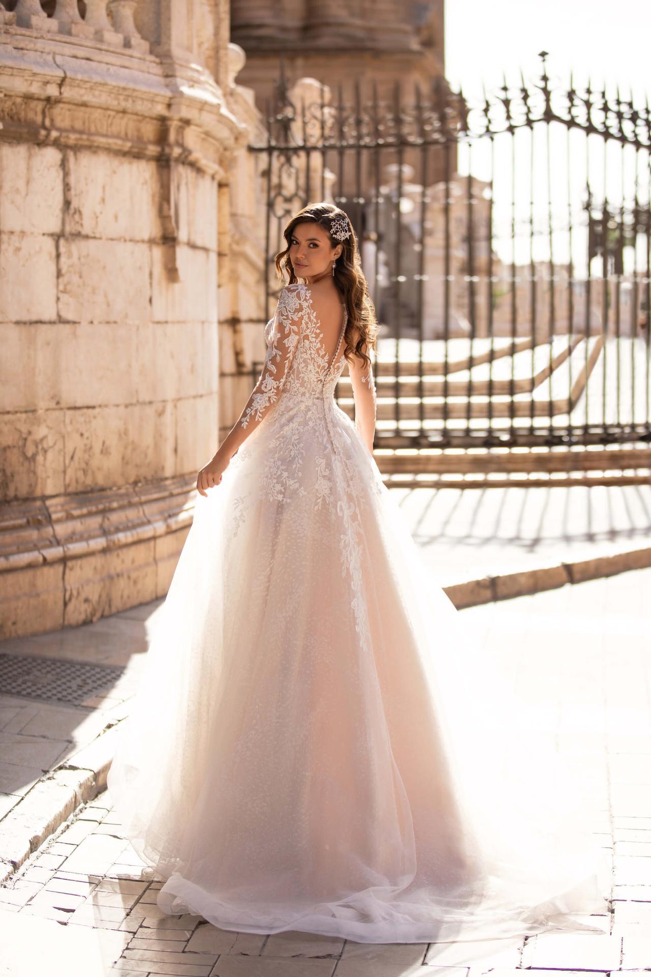 Svatební šaty k prodeji, nebo k zapůjčení - Obrázek č. 2