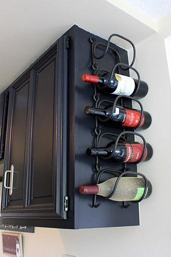 Vychytávky do kuchyne a interiéru - Kam s fľašami na víno ?, čo tak využiť horné skrinky v kuchyni