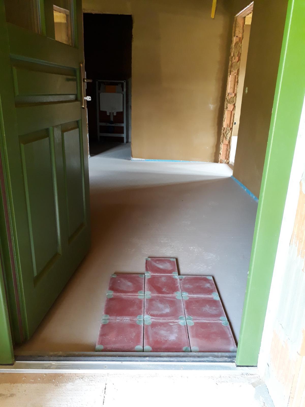 Naša chalupa - naša budúca podlaha do chodby, kúpeľky a WC...cementová, ručné robená u majstra z Hliníka nad Hronom....už aby bola položená a naleštená :)