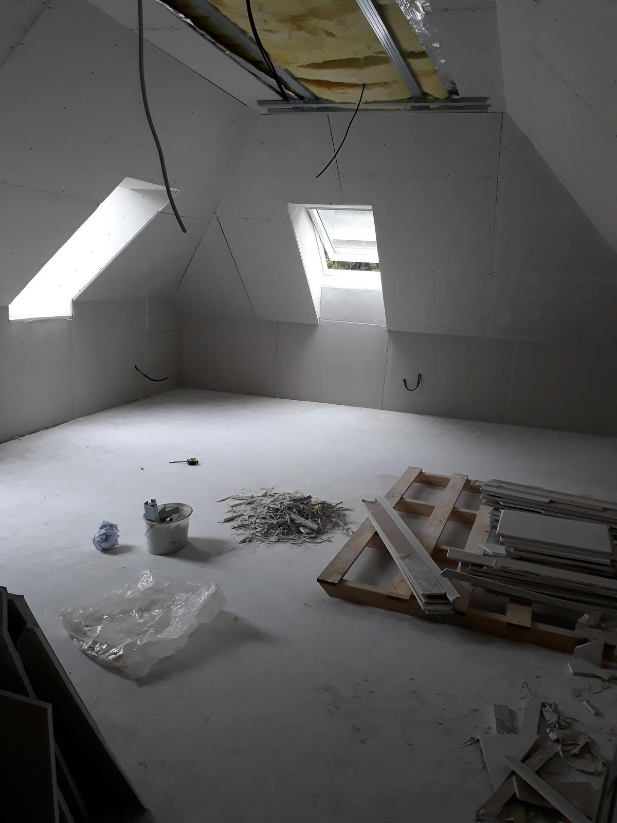 Naša chalupa - už to vyzerá skoro ako ozajstná izba