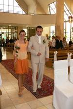 Drahy prichadza k oltaru