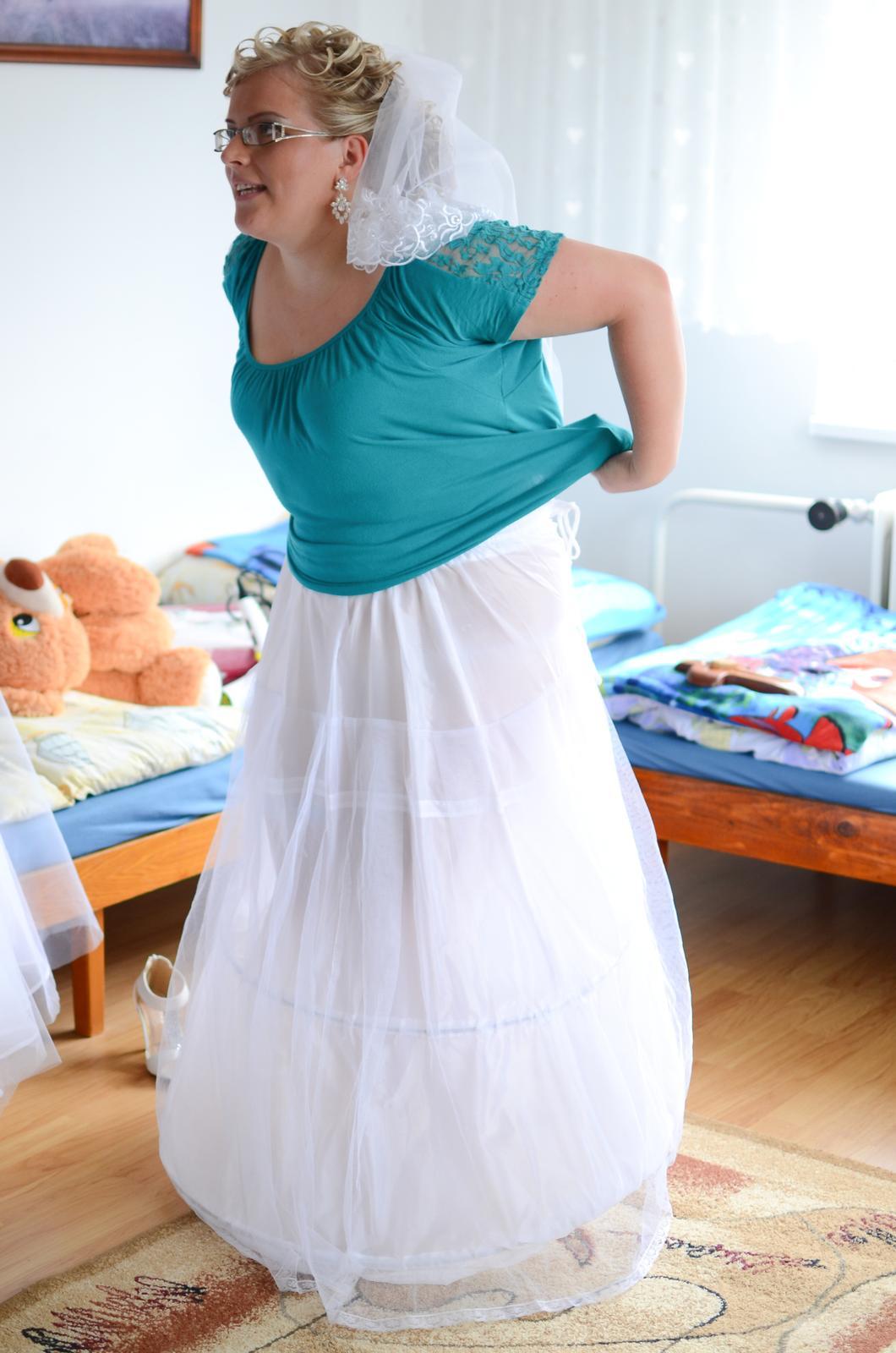 Lucia{{_AND_}}Ďuri - obliekame sa :)